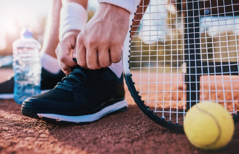 How to choose right tennis shoes