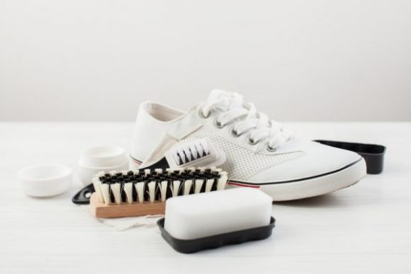 How to Clean White Cloth Tennis Shoes - Tennis Shoes Hub